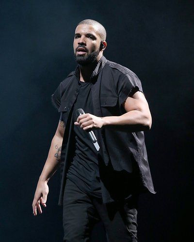 Drake performs in concert on the 2nd day of the 2nd weekend of the Austin City Limits Music Festival at Zilker Park on October 9, 2015 in Austin