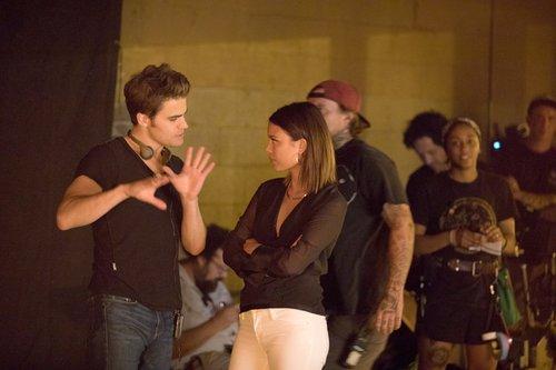Paul Wesley directing Nathalie Kelley in 'The Vampire Diaries' Season 8