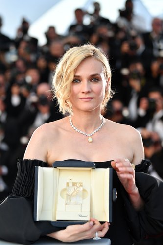 Diane Kruger attends the Palme D'Or winner photocall during the 70th annual Cannes Film Festival at Palais des Festivals on May 28, 2017