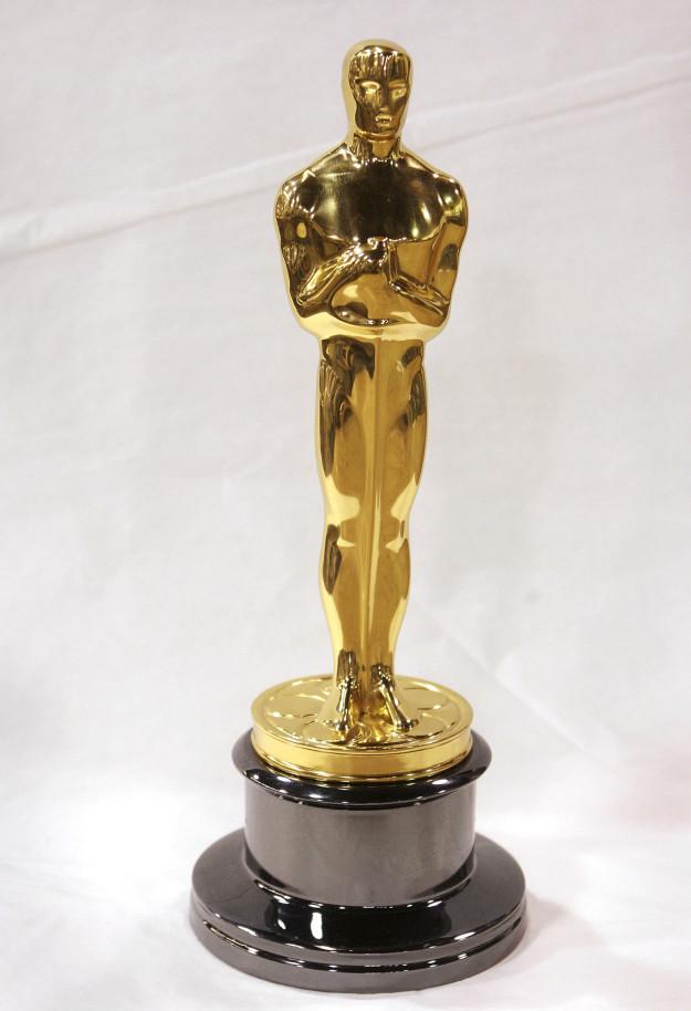 An Oscar statue:
