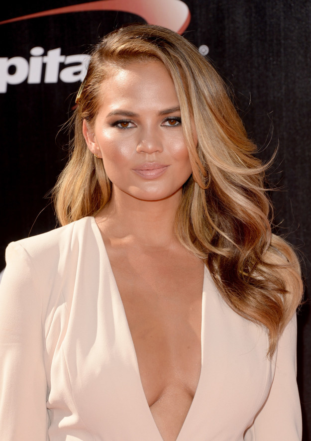 Chrissy Teigen gave '90s actor Kevin Sorbo a piece of her mind early Tuesday morning, after he waded into the immigration debate with a tweet about Dreamers.